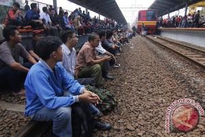 Perjalanan kereta api stasiun Bogor kembali normal