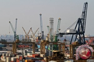 Neraca perdagangan defisit 346,4 juta dolar AS