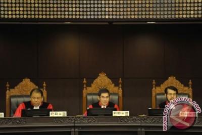 MK tolak seluruh permohonan Prabowo-Hatta