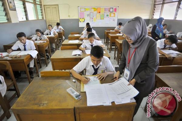 Jokowi Akan Hapus Ujian Nasional Sd Smp Antara News
