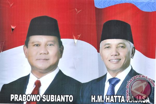 Prabowo meminta pendukungnya tidak terpancing emosi