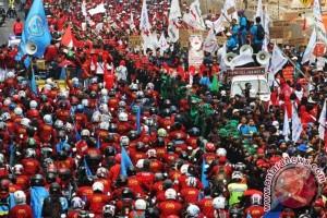 Ribuan buruh Karawang akan berangkat ke Jakarta