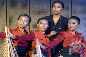 Monolog Inggit ke-12, jadi pementasan terakhir Happy Salma