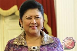 Ani Yudhoyono: rumah pintar berantas buta aksara