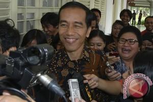 Jokowi resmikan tiga pasar tradisional