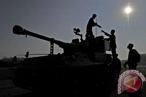 Panglima : kapal induk tak sesuai doktrin TNI