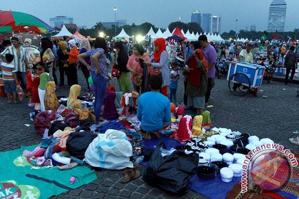 Pekan Rakyat Jakarta (PRJ) Monas Fair 2014 (ANTARA FOTO/Muhammad ...