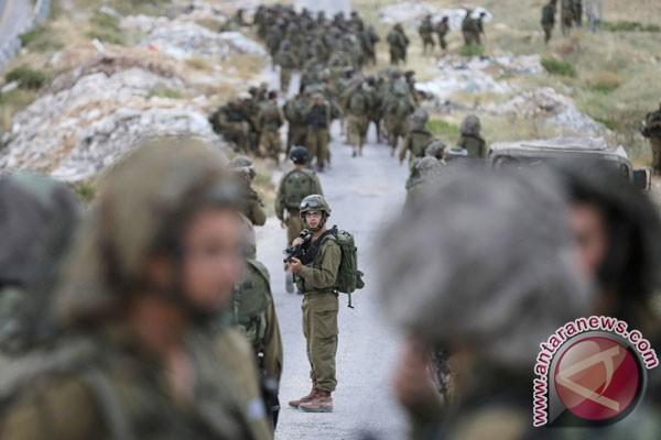Israel tahan ratusan warga di Tepi Barat