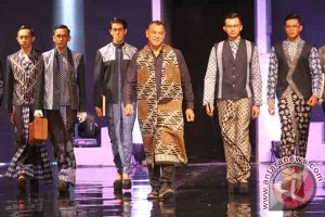 """""""Jogja Fashion Week"""" 2016 tampilkan keragaman batik"""