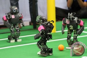 PENS borong juara Kontes Robot Indonesia Regional IV