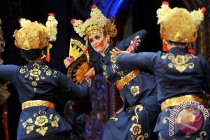 500 penari meriahkan pawai budaya Gianyar - (d)