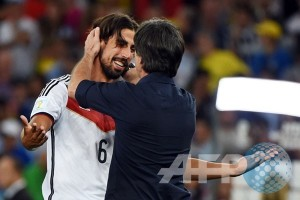 Ozil dan Khedira absen dua laga Kualifikasi Piala Dunia