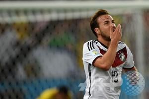 Gotze antar Jerman gusur Polandia dari puncak Grup D