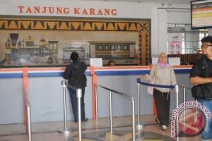PT KAI Lampung operasikan tiga gerbong tambahan