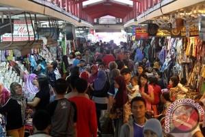 Pengunjung Pasar Beringharjo Yogyakarta naik 200 persen