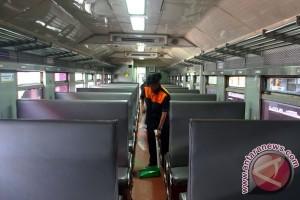 Tarif kereta api ekonomi turun mulai April