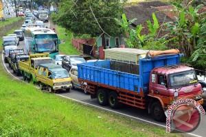 Ciawi menuju Tasikmalaya macet total