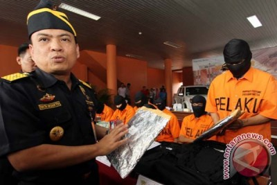 Indonesia customs authorities foil smuggling of Rp5.6 billion worth of drug
