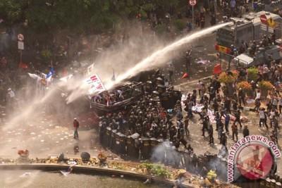 Polisi: Delapan korban luka akibat demo MK