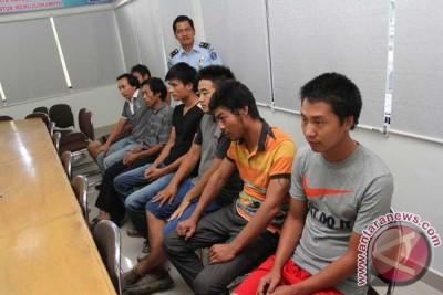 Imigrasi Jakarta Selatan amankan 18 imigran ilegal