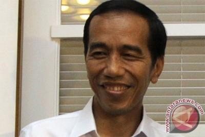 Jokowi bacakan surat pengunduran siang ini