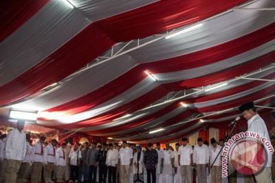 Prabowo pimpin upacara penghormatan jenazah Suhardi
