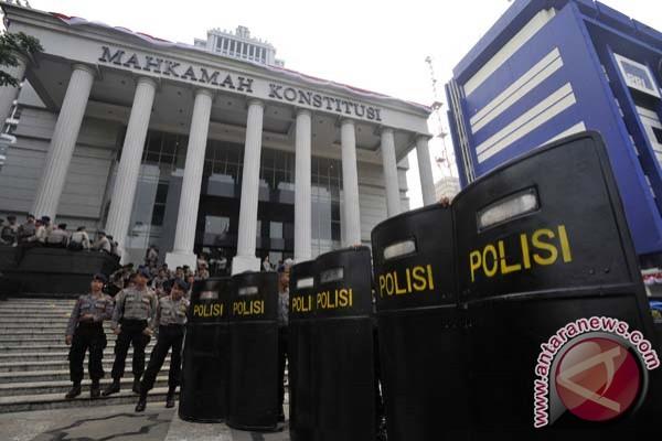 Jokowi-JK apresiasi kinerja MK dan DKPP