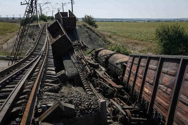 Konflik Ukraina sudah tewaskan  2.593 orang