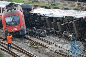Sembilan orang meninggal dan 100 lebih cedera dalam tabrakan kereta di Jerman