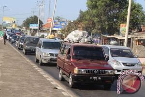 Ratusan calon penumpang arus balik Pacitan terlantar