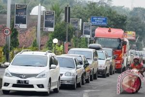 Puncak arus balik Terminal Sukabumi pada Minggu