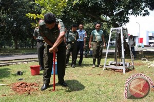 Indonesian army makes 2.9 million bio-pore holes