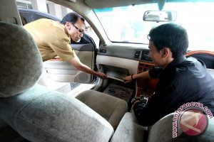 Kembalikan Mobil Dinas DPRD
