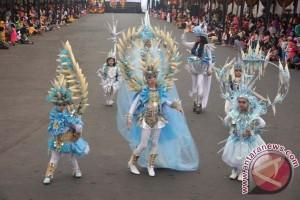 3.711 fotografer bidik Jember Fashion Carnaval