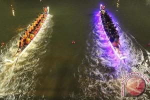 Perahu Naga Padang