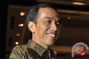 Menteri Jokowi wajib pakai batik-peci setiap hari