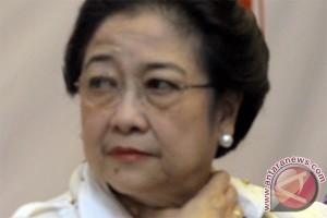 Megawati kritik pilkada oleh DPRD