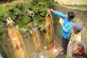 Lokawisata Baturraden Banyumas dipadati wisatawan meskipun hujan