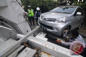 Dishub Jakarta Timur jaring 52 kendaraan parkir liar