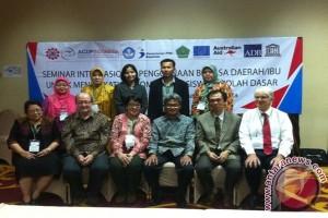 Pakar: kesadaran masyarakat lestarikan bahasa daerah rendah