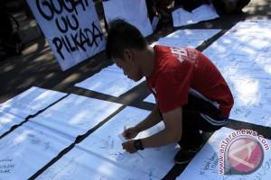 Aksi Gugat UU Pilkada