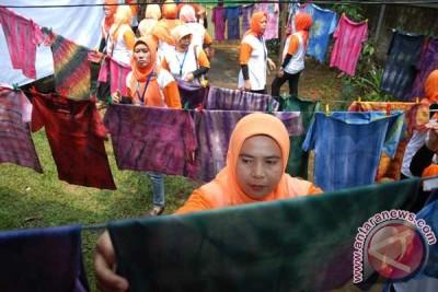 Workshop Pembuatan Batik Jumputan