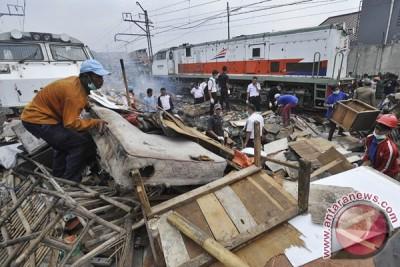 Korban pelemparan kereta api Rangkasbitung-Merak makin banyak