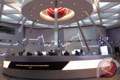 Jakarta composite index closes slightly higher