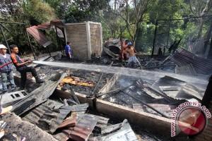 Kebakaran di Martapura Kalsel hanguskan tiga rumah