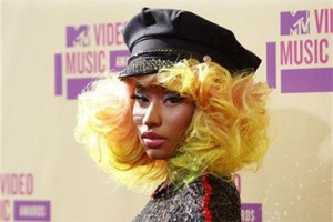 Nicki Minaj dan Ariana Grande tampil bersama di MTV Awards