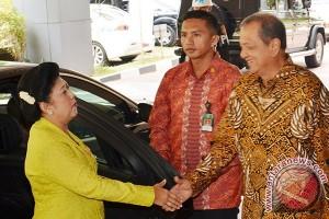 Hari Batik Nasional 2014