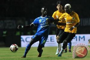 Persib Melawan Malaysian Selection