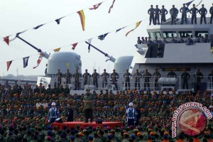 TNI unjuk kekuatan alutsista baru