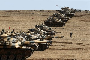 Kendaraan tempur Turki terus masuki suriah untuk usir ISIS dna Kurdi